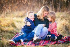 Holiday Minis - Part One — Orsolya gyorgy Photography Family Photos, Couple Photos, Mini, Photography, Couple Shots, Family Pictures, Family Photo Shoot Ideas, Couple Pics, Family Photography