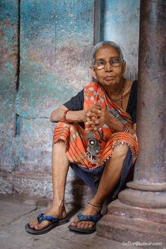 Old woman @ Benares