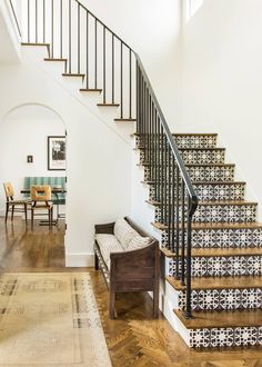 See this Spanish Modern dream home in Hillsburough, a refresh of Old World Style where crisp white meets dark wood and intricate tile. Spanish Home Decor, Spanish Interior, Spanish Style Homes, Spanish House, Spanish Revival, Spanish Style Interiors, Simple Interior, Spanish Colonial, Decor Interior Design