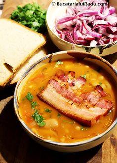 ciorba de fasole boabe cu costita Pork Recipes, Cooking Recipes, My Favorite Food, Favorite Recipes, Good Food, Yummy Food, Romanian Food, Lebanese Recipes, Food Obsession