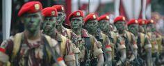 Di saat genting tersebut, Prajurit Satu Suparlan meminta izin komandannya untuk menghadang musuh seorang diri. Dia mengorbankan diri agar teman-temannya bisa lolos.   more: http://blog.yoshikanji.web.id/2014/10/indonesian-lone-survivor.html