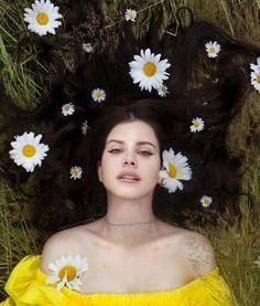Music aesthetic lana del rey 47 new ideas Lana Del Rey Fan, Lana Del Rey Lyrics, Lanna Del Rey, Elizabeth Woolridge Grant, Elizabeth Grant, Music Aesthetic, Mellow Yellow, Pretty People, Indie