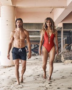 Pictures Of Halle Berry, Architecture Design, 20 Minute Workout, Friday Workout, Black Swimsuit, Swimsuits, Bikinis, Hot Bikini, Berries