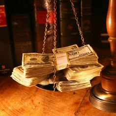 If you have a structured settlement from a court case, then you receive a certain some of money regularly. Usually, this is from a court case that has been settled. While having a settlement and regular money may seem like a good thing, it may not always be simple.