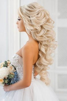 18 Creative & Unique Wedding Hairstyles ❤ See more: www.weddingforwar… 18 Creative & Unique Wedding Hairstyles ❤ See more: www. Wedding Hairstyles For Long Hair, Wedding Hair And Makeup, Bride Hairstyles, Hairstyle Wedding, Bridesmaid Hairstyles, Pixie Hairstyles, Wedding Hair Blonde, Big Wedding Hair, Blonde Bride