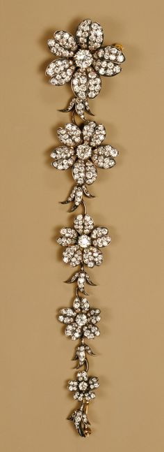 ❥ Tiffany & Co.~ Corsage piece, ca. 1880–1900 (American, 1837–present)  Gold, diamonds {love the progression of large to small}