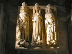 Basilique Saint-Denis :gisants de Philippe V, Jeanne d'Evreux et Chrales IV.