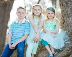 2014 Fab 4 #9: three grandchildren at a session in Grapevine.  For more from this session, please visit http://www.kevinjamesmccrea.com/2014-fab-4-9/