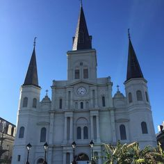 St. Louis Cathedral #stlouiscathedral #nola #neworleans #lousiana #church #architecture #beauty #love #instagood #blueskies #frenchquarter #cathedral #nola2016 #building #sunny #sunshine #warm #instagram #instasky #instamood #instalike #tourist #traveling #travelgram by sightsfromsara
