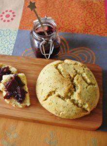 Griesmeelbroodjes met maanzaad (Kell's Kitchen)