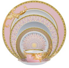 """ Shell-pink and gold arabesque china pattern by Versace for Rosenthal. My dream fine china Versace Home, Versace Versace, Versace Brand, Dinner Sets, Dinner Ware, Dinner Plates, China Patterns, Vintage China, Vintage Crockery"