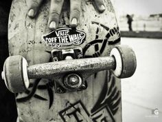 Skate Vans ❤ shared by Lea✨ on We Heart It Skate Vans, Vans Skateboard, Skateboard Design, Skate Photos, Skate And Destroy, Skate Girl, Skate Style, Foto Instagram, Vans Off The Wall