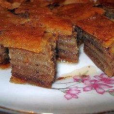 Čuvena Saher torta ( Sacher ) je čokoladna torta sa džemom od kajsija napravljena još davne 1832. godine u beču, u Austriji. 1817. je izašla prva verzija ove torte, da bi 1832. izašla kolačna i usavršena. Saher torta je jedna od najpoznatijih u svetu i napravila je čitav jedan brend u Austriji od ho