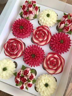 Elegant Cupcakes, Floral Cupcakes, Pretty Cupcakes, Beautiful Cupcakes, Floral Cake, Cupcake Bouquets, Cupcake Decorating Tips, Cake Decorating Frosting, Cookie Decorating