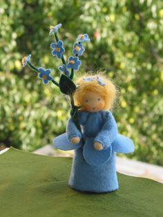 Puppen - Vergißmeinnicht , Blumenkind, Jahreszeitentisch - ein Designerstück von Blumenkind012 bei DaWanda