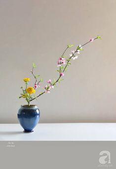 Rose Flower Arrangements, Ikebana Flower Arrangement, Ikebana Arrangements, Flower Vases, Flower Art, Flower Structure, Bonsai, Japanese Flowers, Orange Roses