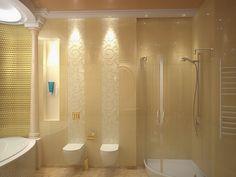 Ванная комната с плиткой золотого цвета - Дизайн интерьера квартиры в классическом стиле