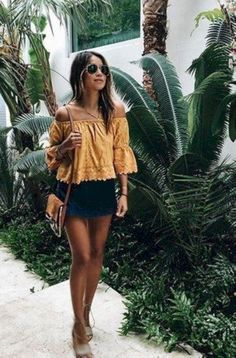 Gorgeous 62 Inspiring Cute Outfit Ideas for Vacation from https://www.fashionetter.com/2017/05/16/inspiring-cute-outfit-ideas-vacation/