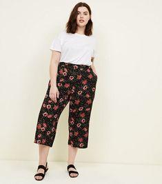 Curves Black Floral Print Culottes   New Look