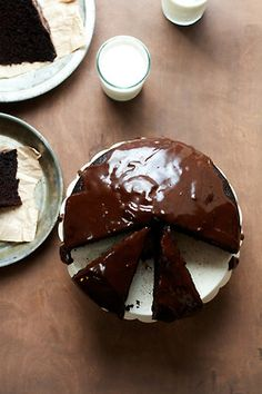 gastrogirl:  simple chocolate cake with ganache.