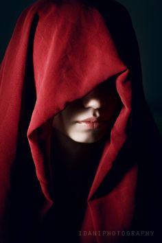"""Model: Ana-Maria Ilinca (Aisii) - Title: """"Assassin's Creed"""" - Photographer: Daniel Ilinca"""