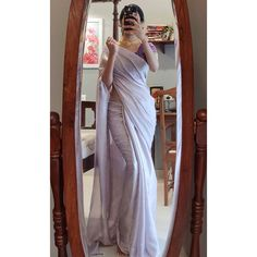 Follow This Brand To Style Simple Sarees in Epic Ways! • Keep Me Stylish Indian Fashion Dresses, Dress Indian Style, Indian Designer Outfits, Indian Wear, Saree Fashion, Bollywood Fashion, Fashion Clothes, Designer Dresses, Simple Sarees