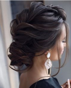 33 ach so perfekte lockige Hochzeitsfrisuren, afro bangs hair hair styles mujer peinados perm style curly curly Wedding Hairstyles For Long Hair, Wedding Hair And Makeup, Up Hairstyles, Hair Makeup, Updos Hairstyle, Hairstyle Ideas, Gorgeous Hairstyles, Elegant Wedding Hairstyles, Updos For Thin Hair