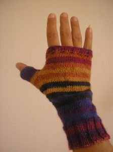 Les jolies mitaines au tricot - Tuto PDF en français Handicraft, Fingerless Gloves, Arm Warmers, Hair Pins, Collars, Crochet, Pure Products, Knitting, Sewing