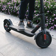 Xiaomi M365 IP54 12.5kg Ultra-light Folding Electric Scooter Intelligent BMS 25 km/h Max. Load 100kg Skateboard Hoverboard Balancing Scooter
