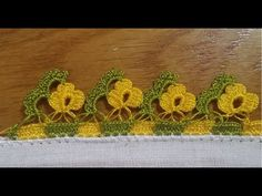 This Pin was discovered by HUZ Crochet Cord, Filet Crochet, Crochet Lace, Crochet Borders, Crochet Stitches, Crochet Patterns, Embroidery On Clothes, Hand Embroidery, Crochet Videos