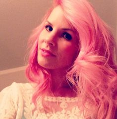 First day if pink hair! #pinkhair #gem #houseofcabelo