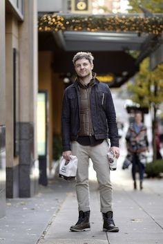 Go for a brown gilet and beige chinos for a comfy outfit that's also put together. If you need to instantly tone down this outfit with footwear, why not complement your look with black leather work boots? Black Long Sleeve Shirt, Long Sleeve Shirts, Beige Chinos, Denim Jacket Men, Denim Jackets, Men Looks, Flannel Shirt, Menswear, Mens Fashion