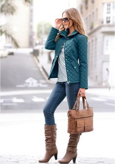 Casual Outfits, Cute Outfits, Fashion Outfits, Fashion Trends, Coats For Women, Jackets For Women, Puffy Jacket, Dress With Sneakers, Street Outfit