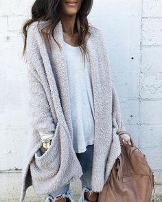 Cozy cardigan outfit idea