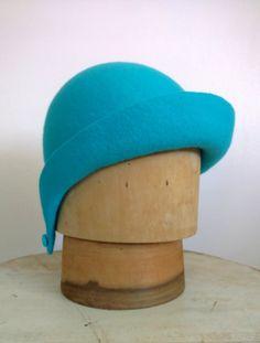 3338c60e402 Fieltro de lana turquesa Cloche Art Deco sombrero tamaño Cool Coats