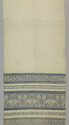 Perugia-type towel with bands of blue patterning at each end of a white field. Pattern bands, same at both ends starting from the bottom, have birds separated by trees and confronted lions separated by guard borders of arrow heads. Medieval Embroidery, Tablecloths, Hand Towels, 18th Century, Lions, Scandinavian, Weaving, Objects, Italy
