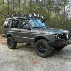 Land Rover Discovery II - wish mine was this beefy.