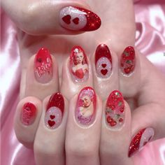 The advantage of the gel is that it allows you to enjoy your French manicure for a long time. There are four different ways to make a French manicure on gel nails. The choice depends on the experience of the nail stylist… Continue Reading → White Nail Art, White Nails, Hair And Nails, My Nails, Glow Nails, Acryl Nails, Kawaii Nails, Dream Nails, Cute Acrylic Nails