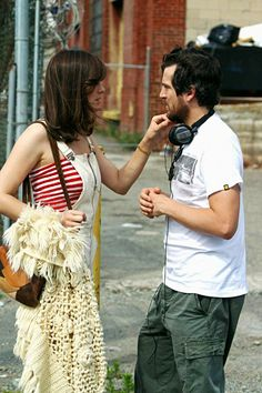 Guillaume Canet Photos - Marion Cotillard wears short overalls and a red striped tube top as she films scenes for her boyfriend, Guillaume Canet's film, 'Blood Ties. What Is Cheating, Marion Cottillard, Le Couple Parfait, Hollywood Couples, True Detective, French Actress, Photo L, On Set, Hair Goals