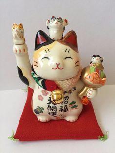 Winkekatze Bedeutung glückskatze die bedeutung der maneki neko chinesisch