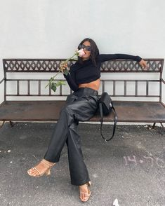 📸: on ig Street Style Outfits, Mode Outfits, Trendy Outfits, Simple Edgy Outfits, Classy Going Out Outfits, Leather Pants Outfit, Black Leather Pants, Leather Outfits, Fashion Mode