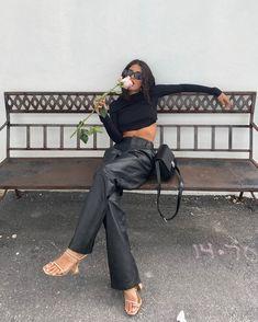 📸: on ig Fashion Mode, Look Fashion, Winter Fashion, Womens Fashion, Fashion Trends, High Fashion Style, High Fashion Outfits, High Fashion Looks, Fashion Blogger Style