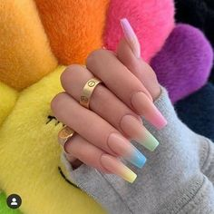 Semi-permanent varnish, false nails, patches: which manicure to choose? - My Nails Simple Acrylic Nails, Best Acrylic Nails, Pastel Nails, Simple Nails, Acrylic Nail Designs For Summer, Acrylic Summer Nails Coffin, Bright Summer Acrylic Nails, Aycrlic Nails, Swag Nails