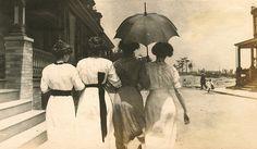 Edwardian dames, 1900s.