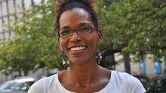 Saraya Gomis ist Studienrätin und unterrichtet Französisch, Geschichte und Darstellendes Spiel an der Ernst-Reuter-Schule in Wedding.