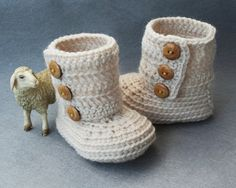 100 Pure Wool Crochet Baby Boots in Ivory with by atelierbagatela, €19.00