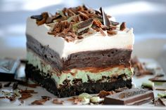 Chocolate Mint Dream Bars - a Mint Oreo crust, chopped Andes Mints, a sweet peppermint cream cheese layer, chocolate fudge pudding, and whipped topping make this NO-Bake dessert a winner! It will be perfect to serve Mint Desserts, Pudding Desserts, Cookie Desserts, No Bake Desserts, Easy Desserts, Delicious Desserts, Dessert Recipes, Layered Desserts, Baking Desserts