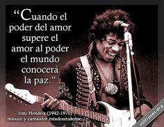 Jimi Hendrix, músico y cantautor estadounidense