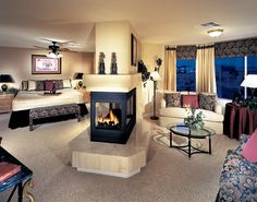 Don't like the decorating but I love the layout of the room!!