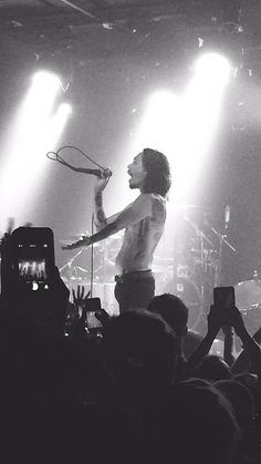 """Brandon Boyd rocked a man bun for a while and I cried real tears during Pardon Me. #Incubus"""